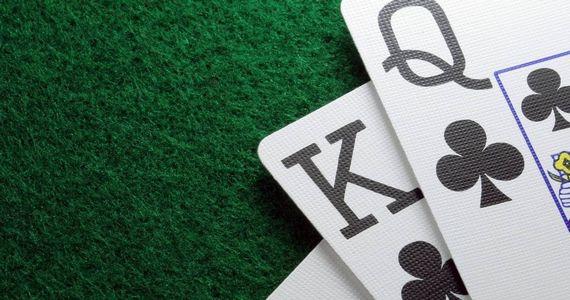 Можно ли играть в покер в Интернете?